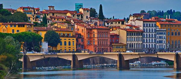 Florence_Arno_River_Bridge_D75_0124ax