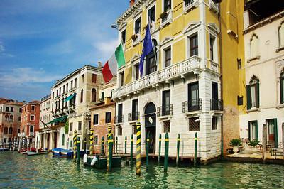 Venice_Along_Grand-Canal_D3S0343