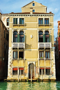 Venice_Along_Grand-Canal_D3S0438