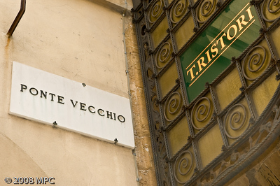 Street sign for the Ponte Vecchio