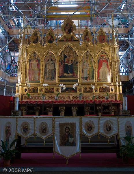 The main alter at Santa Croce