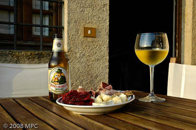 Happy hour at the agriturismo - Cappicola, provolone y pomodori secchi.  This was a rare occasion we had beer and white wine.