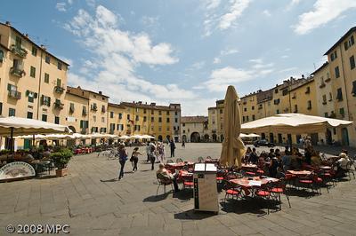 Piazza Anfiteatro Romano