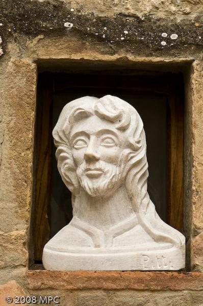A sculpture outside the Piazza del Duomo