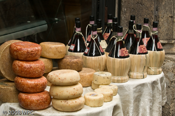 Wine & cheese shop in Siena