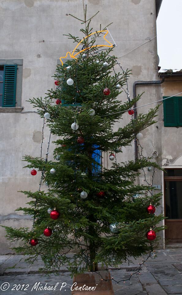 Christmas Tree in Panzano in Chianti<br /> Piazza XXV Aprile