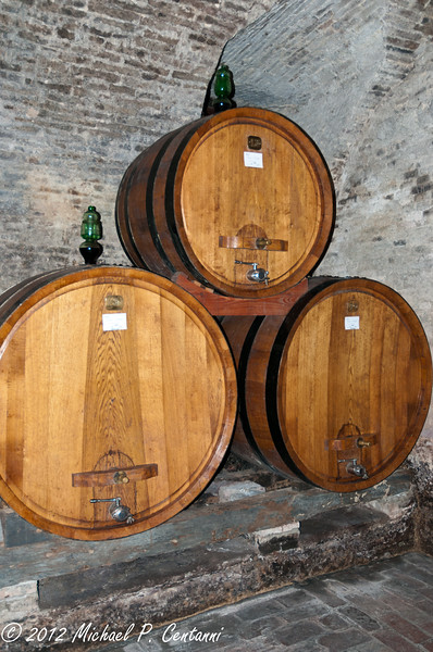 Wine barrels at Cantine Contucci