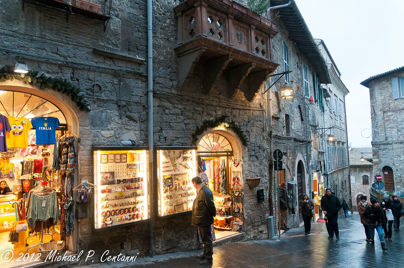 Shopping in Assisi