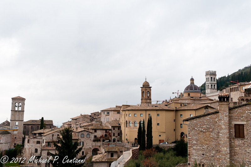 Looking at Assisi from Via S. Agnesi