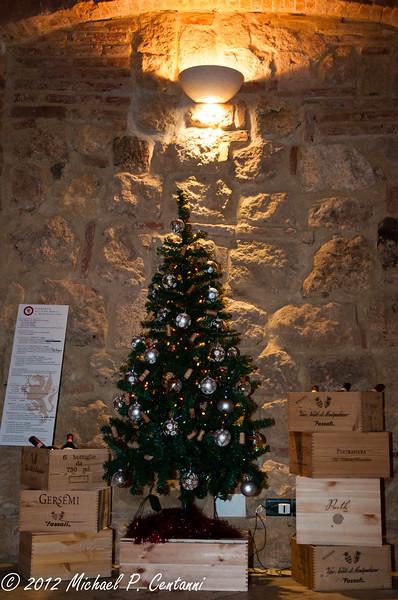 Christmas tree at the Contucci Cantina
