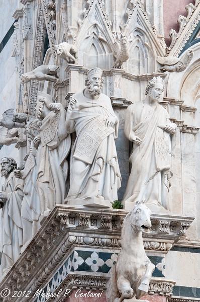The exterior of the Duomo di Siena