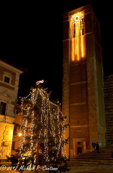 Christmas tree in Piazza Grande, Montepulciano