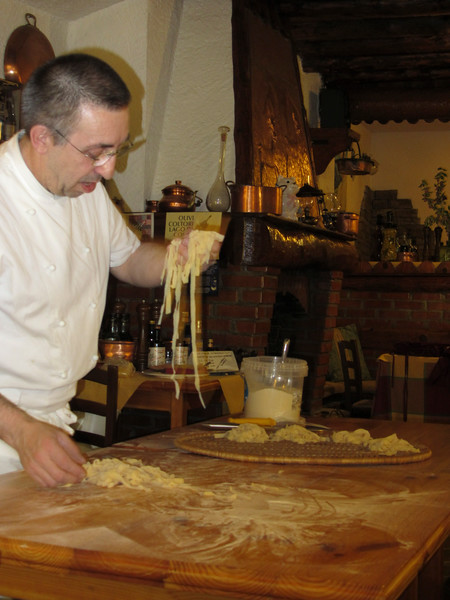 tagliatelle - making the nests