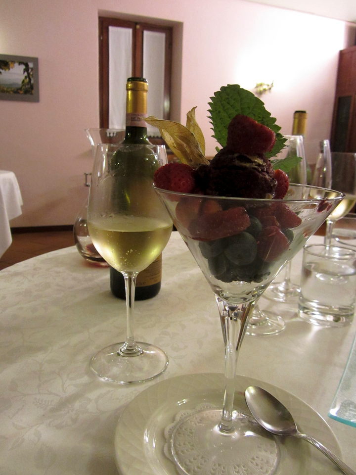Moscato and fresh berries