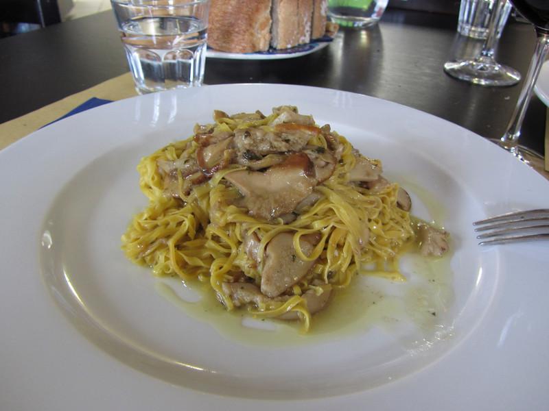 Osteria More e Macine - tajarin con porcini