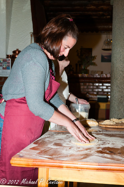 Clare's turn!  Preparing the pasta dough to roll by hand.