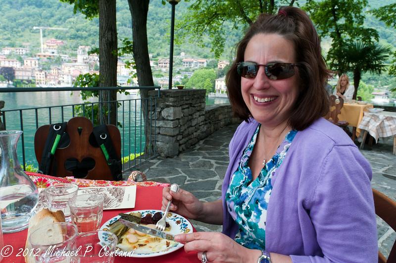Enjoying lunch on Isola Comacina