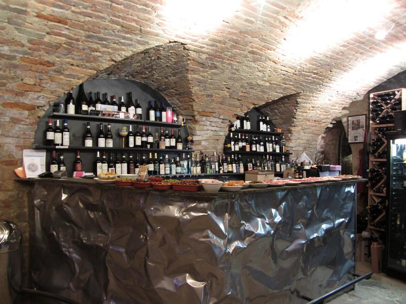 Happy Hour at Le Case della Saracca in Monforte d'Alba