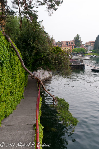 Walkway along the river from the Piazza san Giorgio to the ferry terminal