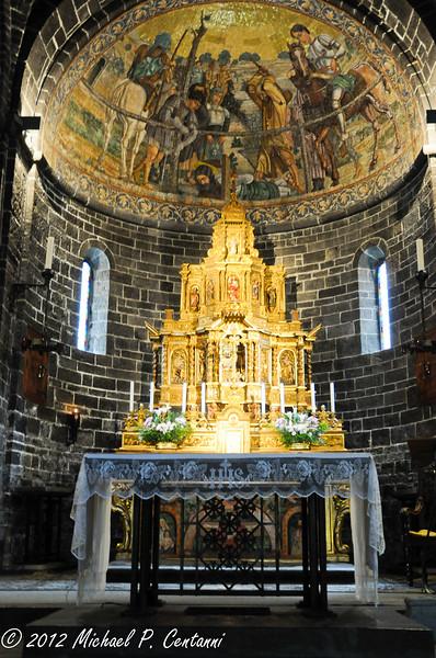 Inside the Basilica di San Giacomo, Piazza della Chiesa, Bellagio