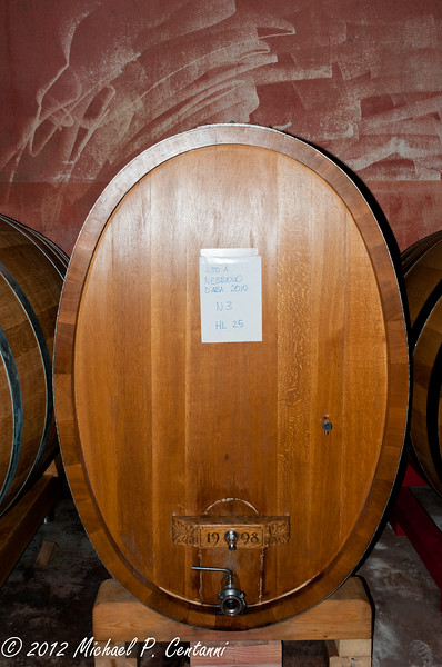 Wine barrels at Eugenio Bocchino