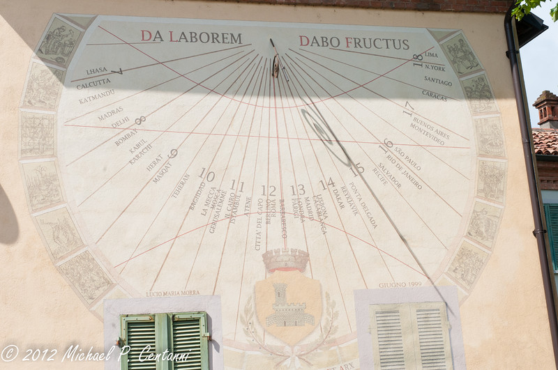 Sun clock in Barbaresco