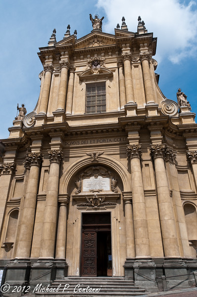 Church of San Vittore, Bra