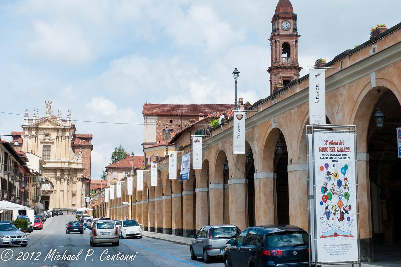 Via Vittorio Emmanuel, Bra