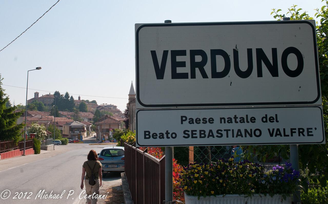 Road to Verduno