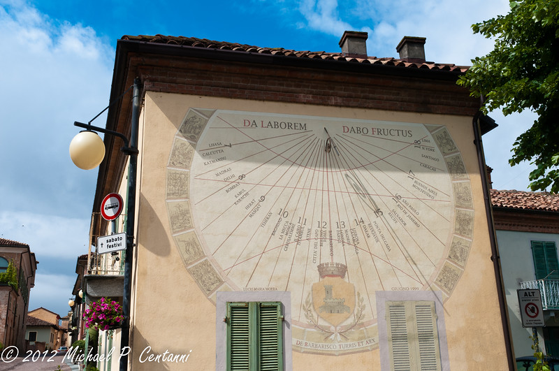 Sun clock in Barbaresco