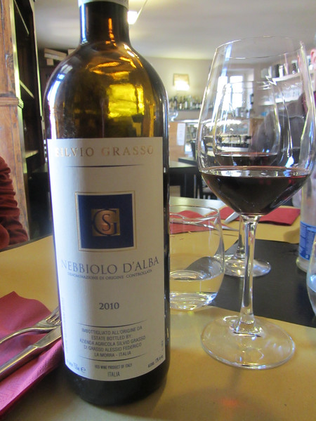 Our first lunch at More e Macine - accompanied by a Silvio Grasso Nebbiolo d'Alba!