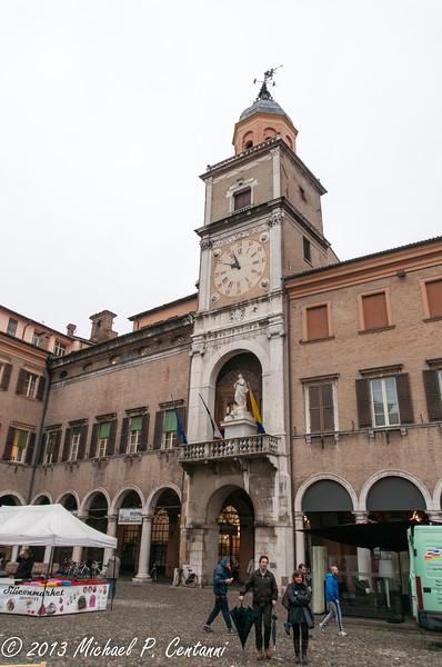 Mercato in Piazza Grande