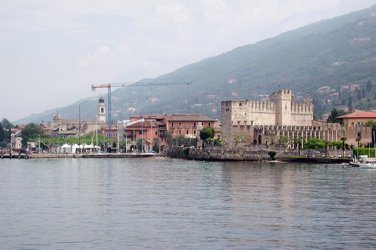 Torri del Benaco as seen from the ferry to Maderno / Karen Perrin Photo