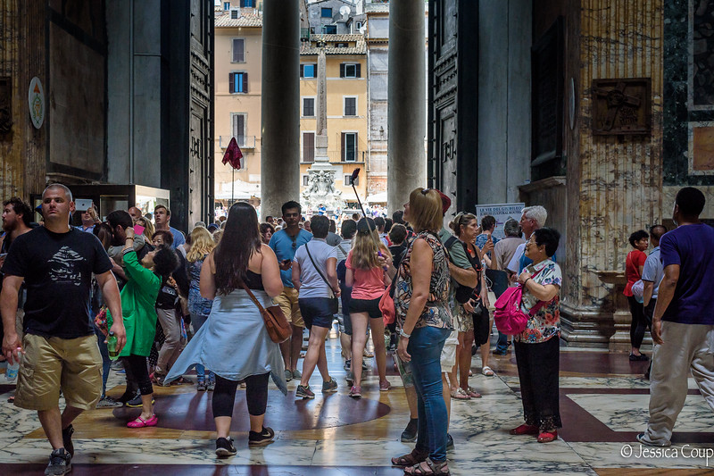 Exploring the Pantheon with a Selfie Stick