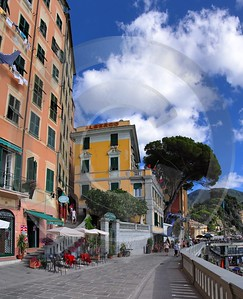 Camogli Beach Town Ocean Houses Autumn Stock Photos Rock Sale Cloud Prints - 002125 - 17-08-2007 - 4261x5253 Pixel