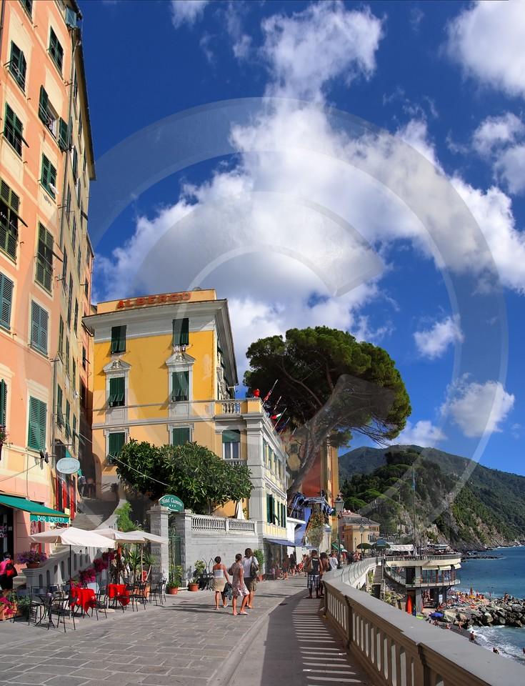 Camogli Beach Town Ocean Houses Famous Fine Art Photographers Fine Art Prints For Sale - 002124 - 17-08-2007 - 4381x5726 Pixel