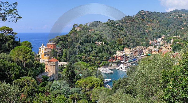 Portofino Port Yacht Boat Viewpoint Castello Brown Stock Images Grass - 002035 - 16-08-2007 - 7700x4240 Pixel