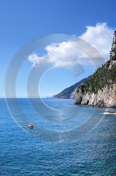 Portovenere Liguria Port Yacht Boat Ship Houses Ocean Art Photography Gallery Fine Art Foto Sea - 002301 - 23-08-2007 - 4169x6318 Pixel