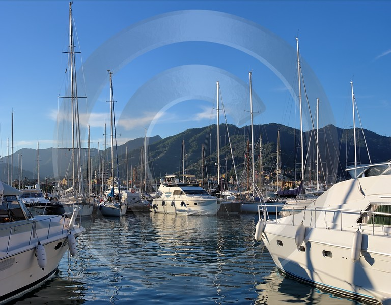 Rapallo Liguria Port Ship Yacht Boat Harbour Ocean Mountain Island Fine Art Landscape Photography - 002331 - 23-08-2007 - 5297x4138 Pixel