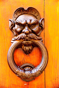 San_Gimignano_Door-knocker_RAW5658