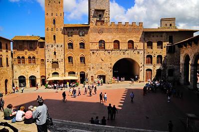 San Gimignano church square