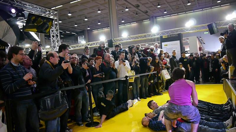 """""""Style revolution"""", parkour, dance, freestyle, stand Nikon. Photoshow Milano 2011."""