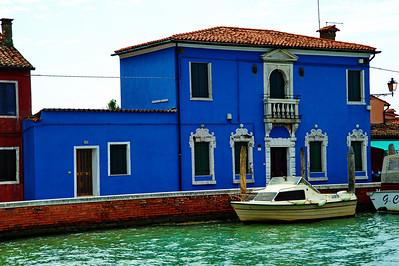 Murano_Blue_Bldg_boat_D3S4849