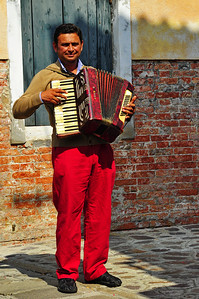 Murano_Accordian_Player_D3S0105
