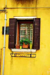 Murano_Yellow-window_D3S0126_