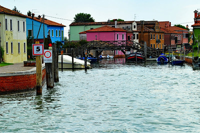 Murano_canal_painted_Homes_D3S4851