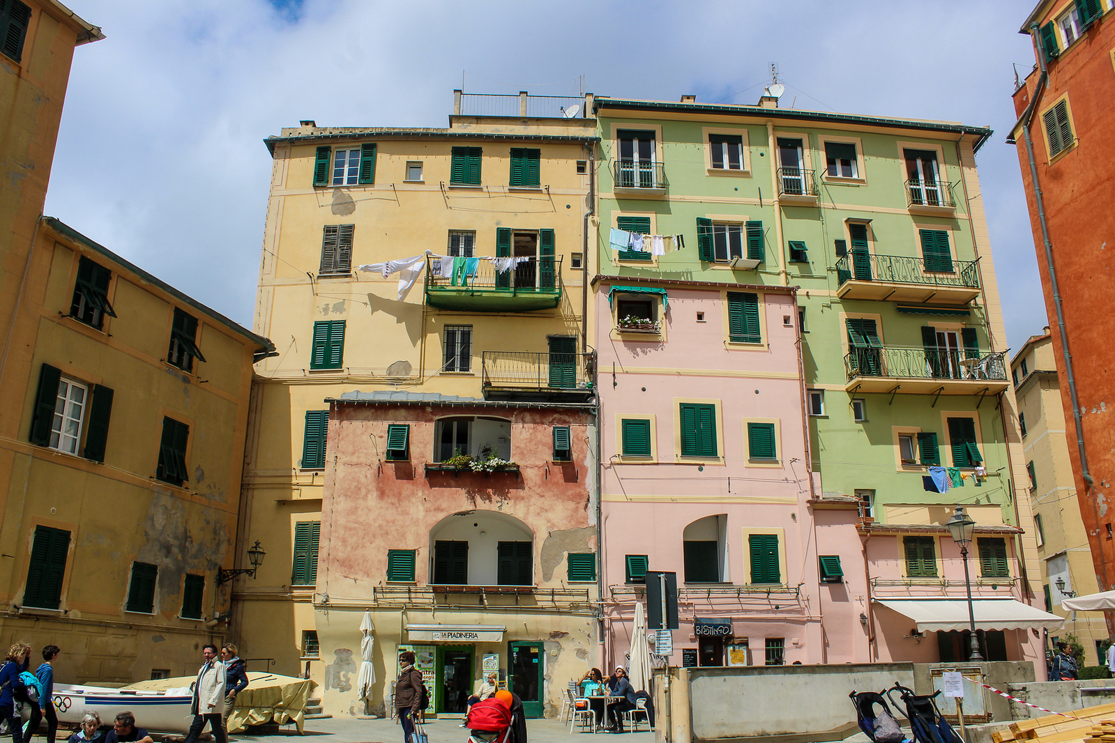 what to do in camogli italy: wander the harbor