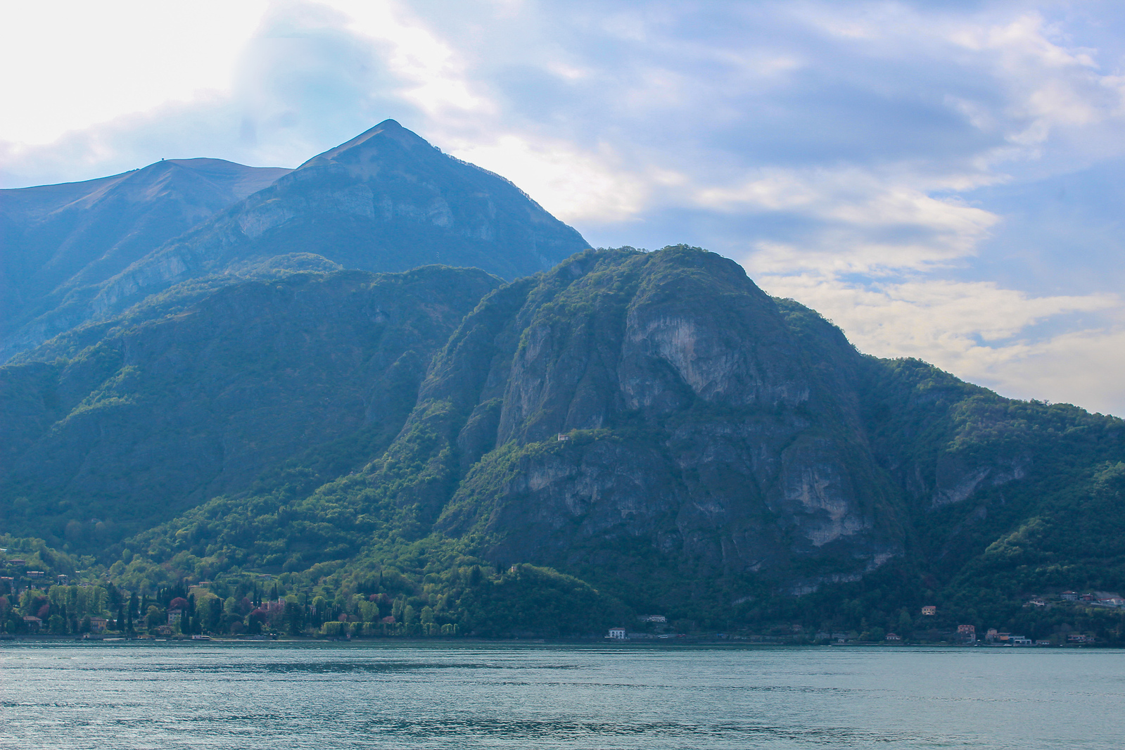 solo travel italy: one tip is to see the nature like at lake como