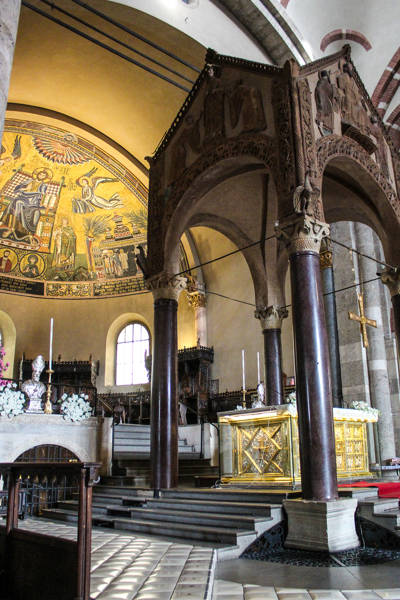 one day in milan: see a lot of different churches
