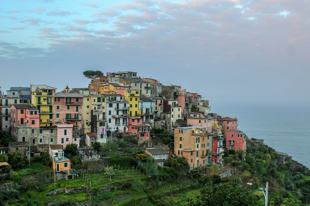 capture gorgeous views when seeing italy for the first time